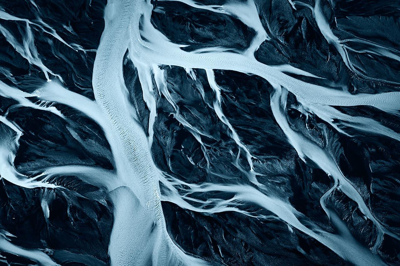 Iceland Born in fire VEINS OF THE GLACIER 54 Vorschaubild WEB uai
